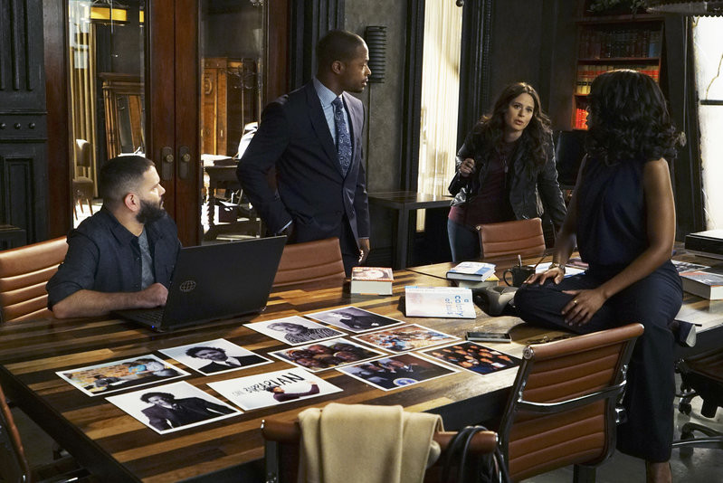 Scandal Sneak Peek Episode 7: Olivia Lies To Fitz About Papa Pope
