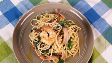 Shrimp and Spinach Spaghetti with Cream Cheese Tomato Sauce