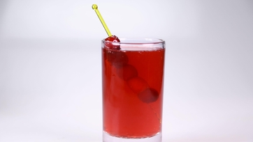 Clinton Kelly\'s Cranberry Clause Punch