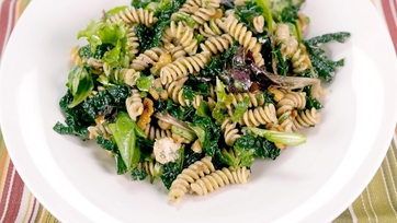 Pasta Salad with Walnuts, Gorgonzola & Mozzarella