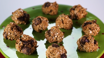 Chunky Chocolate Oatmeal Cookies