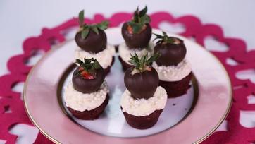 Strawberry Red Velvet Love Cakes