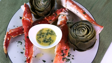 King Crab Legs with Artichokes and Champagne