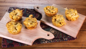 Pepperoni Mac n Cheese Muffins