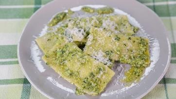 Pea-Mascarpone Ravioli with Sauteed Peas and Pea Pesto