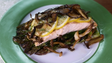 Wild Salmon with Mushrooms & Asparagus