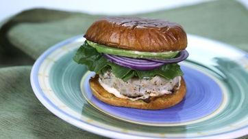 Herbed Chicken Burger with Remoulade