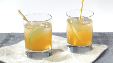 Spiced Apple-Ginger Fizz Mocktail