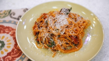 Spicy Bacon Arugula Spaghetti