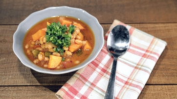 Slow Cooker Baked Beans and Sweet Potato Stew