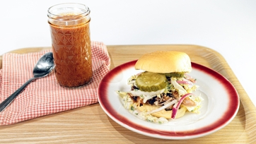 Carolina-Style BBQ Pulled Pork Sandwiches