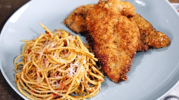 Carolyn\'s Cutlets & Pasta with Sun-Dried Tomato Pesto