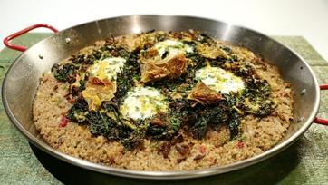 Kale and Mushroom Paella
