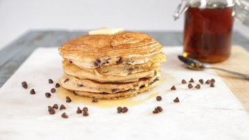 Cinnamon Chocolate Chip Pancakes