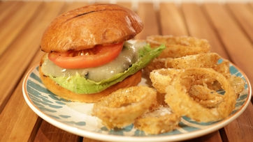 The Green Chile Cheeseburger