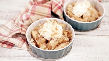 Spiced Apples with Cream