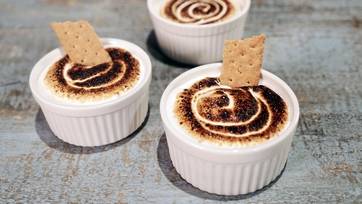 Chocolate Hazelnut S\'mores Dip