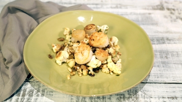 Pan Roasted Scallops with Cauliflower, Raisins, and Pine Nuts