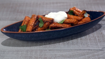 Roasted Carrots with Za\'atar, Yogurt and Mint