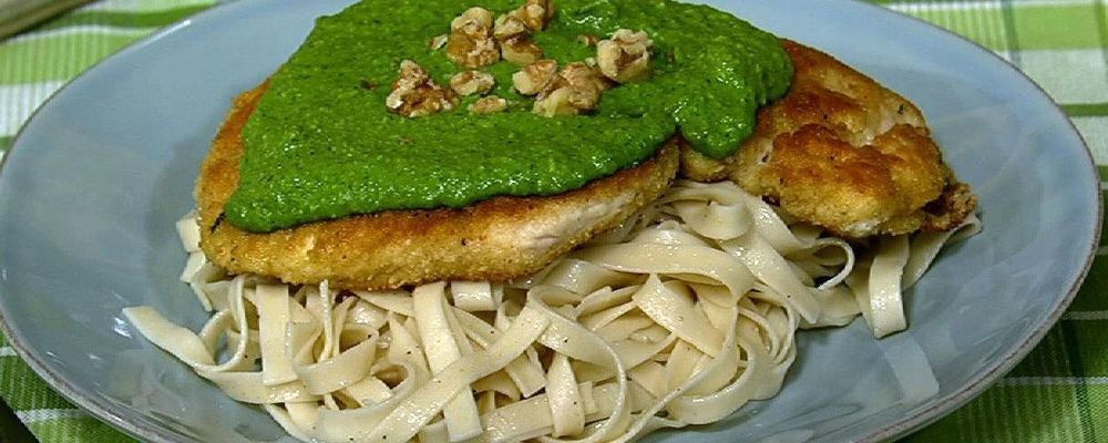Chicken Cutlets with Spinach and Walnut Pesto