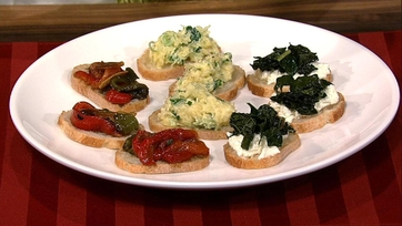 Mario Batali\'s Roasted Peppers and Capers Crostini