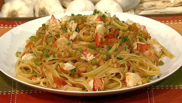 Mario Batali\'s Fettuccine with Lobster, Tomatoes, and Saffron