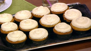Elisabeth Hasselbeck\'s Orange Cream Cupcakes