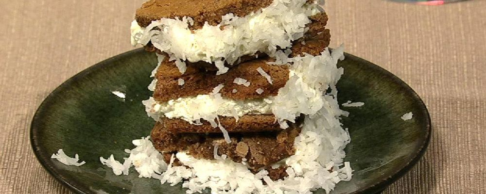 Carla Hall\'s Fro-Yo Brownie Sandwiches