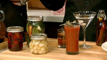 Michael Symon\'s Pickled Pearl Onions