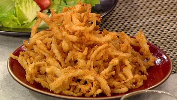 Daphne Oz\'s Shoestring Frizzled Onions