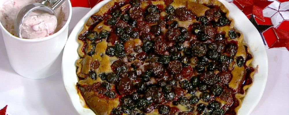 Blueberry Cherry Pie wIth Sour Cream