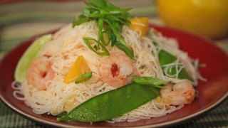 Ming Tsai\'s Spicy Shrimp with Mango and Rice Noodles