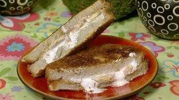 Antonia Lofaso\'s Deep-Fried Fluffer Nutter Sandwich