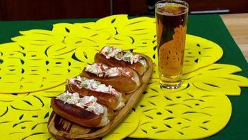 Mario Batali\'s Lobster Rolls
