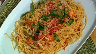 Michael Symon\'s Pasta Pomodoro