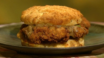 Emeril\'s Chicken and Biscuits with Redeye Gravy