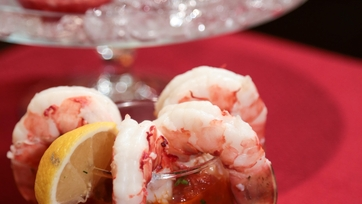 Michael\'s Poached Jumbo Shrimp