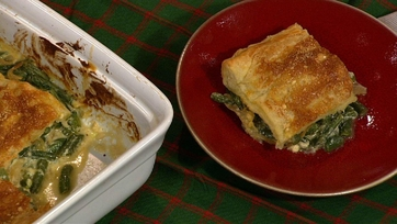 Clinton Kelly\'s Green Bean Casserole with Caramelized Onions and Puff Pastry