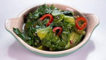 Mario Batali\'s Sauteed Escarole with Chilies