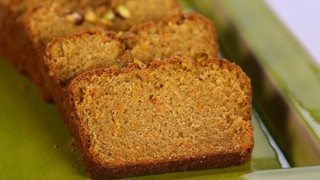 Michael Symon\'s Carrot Bread