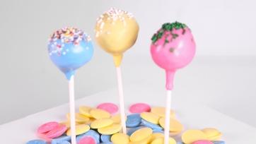 Tichanda Thompson\'s Red Velvet Cake Pops