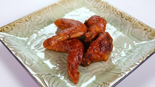 Michael Symon\'s Korean Style Chicken Wings