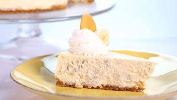 Carla Hall\'s Banana Cream Cheesecake
