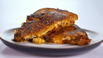 Daphne Oz\'s Roasted Cauliflower Grilled Cheese
