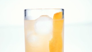 Clinton Kelly\'s Grapefruit Fennel Spritzer