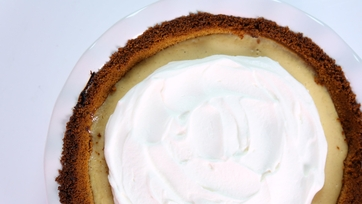 Cooking Light\'s Key Lime Pie