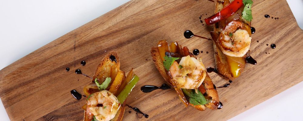 Laila Ali\'s Pepper and Shrimp Bruschetta