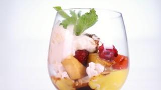Clinton Kelly\'s Summertime Pavlova Trifle