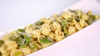 Mario Batali\'s Orecchiette with Romano Beans