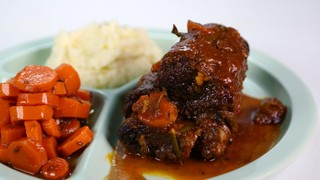 Mario Batali\'s Beer Braised Short Ribs